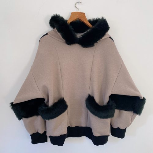 Cream And Black Jumper Sweat shirt